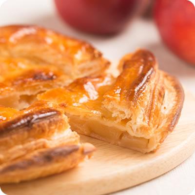 国産りんご「紅玉」をたっぷり使ったアップルパイ